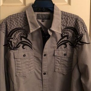 Roar Men's Long sleeve shirt.